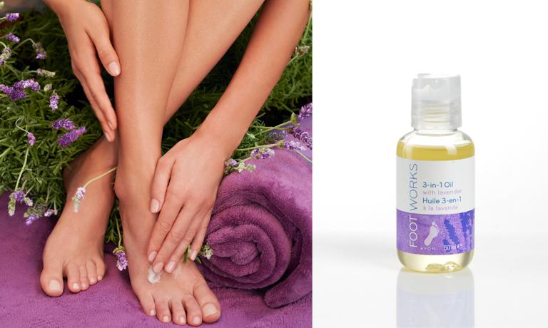 Lavendel entspannt und beruhigt und ist damit der optimale Begleiter vor dem Zubettgehen. Das Fußpflege-Öl mit Lavendel lässt sich als Fußbad, Pflegeprodukt und für die Massage anwenden und sorgt nicht nur für schöne Füße sondern auch einen guten Schlaf.