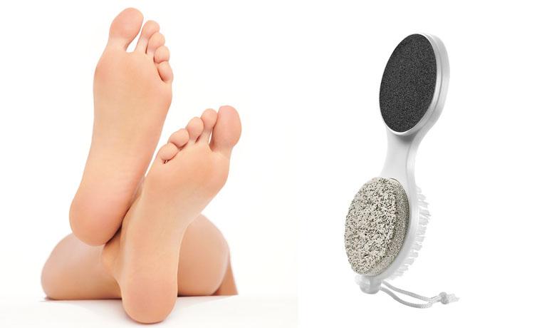 Das 4-in-1 Fußpflege-Tool kombiniert Bimssteine, Fußfeile, Fußraspel und eine Bürste für die Zehennägel praktisch in einem Produkt und sorgt für glatte, schöne Füße.
