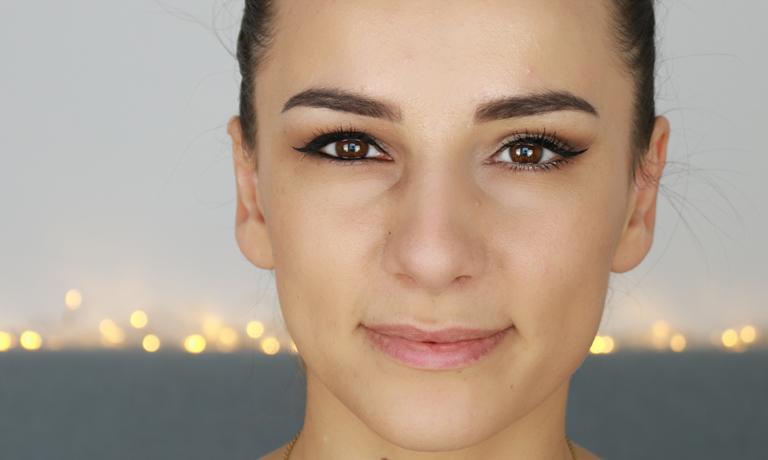 Schlupflider schminken - Anfänger Tipps für tollen Effekt » AVON Blog