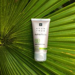 AVON True NutraEffects getönte BB-Creme LSF 15 für Hautpflege im Sommer