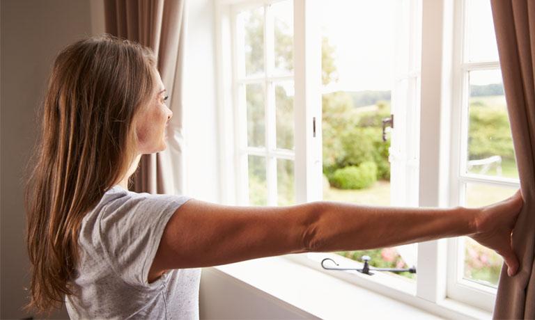 Das tut gut! Fenster auf -frische Luft rein