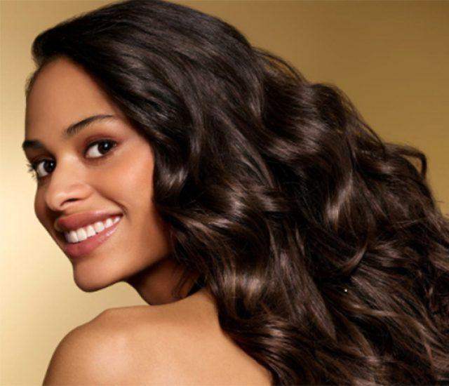 Die besten Tipps für schöne Haare im Sommer